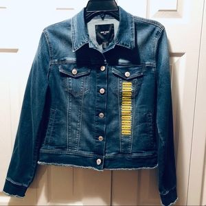 NINE WEST-Woman's Jean jacket Outerbanks. NWT